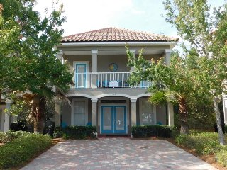 Kono Cottage ~ Spectacular Beach Home With 2 Master suites & 2 living areas, Destin