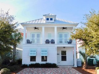 Vitamin Sea~ 5 Star Luxury awaits you with 2 living areas, 2 master suites and, Destin