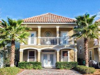Sun Kissed ~ Beautifully Furnished Coastal Villa- Enjoy Resort Style Amenities, Destin