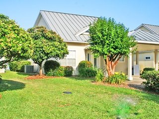 A Shore Thing~ Cozy Private Home located in Mainsail, a beautiful 15-acre, Miramar Beach