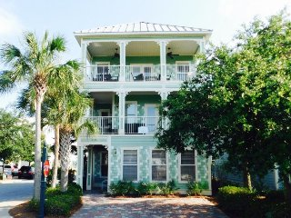 Flip Flop Cottage ~ Luxurious Tommy Bahama Style Beach Home - Pool Views From, Destin