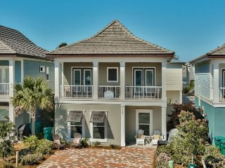 Toes In The Sand ~ 2 Master Suites & Premium Electronics - Stunning Upscale, Destin