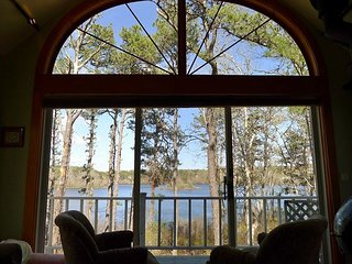 ESTATE OVERLOOKING PILGRIM LAKE IN ORLEANS! LINENS INCLUDED! DOG CONSIDERED!