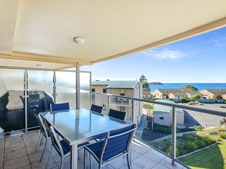 18/2 Solway Crescent - Panoramic Sea Views