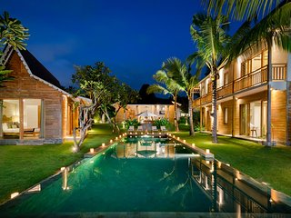 Stunning 5-bedroom villa with rice field view
