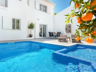 Vale do lobo Villa: heated pool with kids section, near the beach, nature views