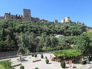 Granada apartment - cente - Alhambra views - WIFI