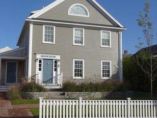 Tuck Time 132850, Nantucket