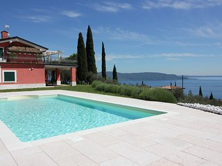 Superb villa overlooking the lake, Toscolano-Maderno
