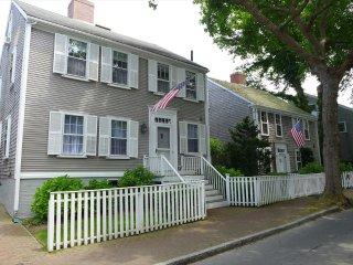 Pleasant Times 132811, Nantucket