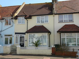 Stunning seaside Holiday cottage, Eastbourne