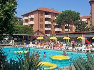 PIANO DEL CARRUBO A4P con piscina, tennis, parcheggio