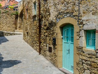 Costabravaforrent Can Paretas, house in Peratallada