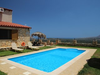 Villa Vangelis, Stilos, Chania beautiful traditional villa with private pool