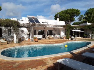 Four Bedroom Villa in Quinta do Lago, next to Bouganvillia and Quinta Shopping