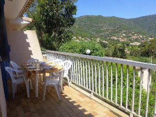 Apartment in Le Lavandou with Internet, Parking, Terrace, Garden (554879)
