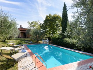 Tuscany, Private Cottage with Private Pool, Perfect setting for family - friends
