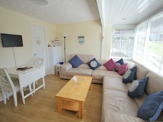 Beach Cottage 71 - Golden Bay Holiday Village, Westward Ho