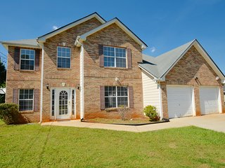 Stunning 4BDR 3.5 BA Mansion in Decatur