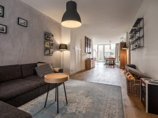 Spacious Luxury Family Home with Garden, Haarlem
