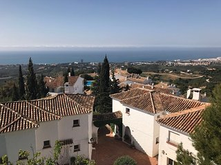 Holiday Apartment with panoramic views over Marbella and sea views
