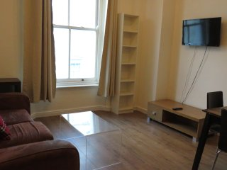 2 Bedrooms Flat, Hyde Park, Bayswater, F4/47