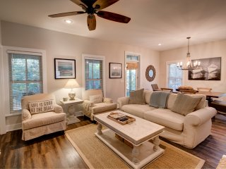Relaxing SEASIDE beach cottage 3Bed 3Bath 4 min walk to beach from $115/night, Seagrove Beach