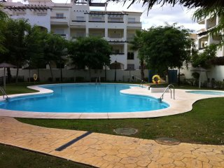 Two bedroom ground floor apartment., Puerto de la Duquesa