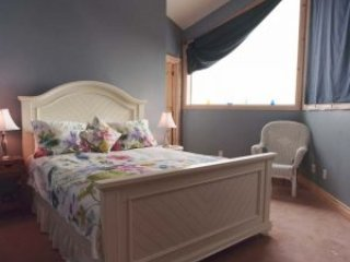 Chalet Claremont - Sky Room, holiday rental in Pickering