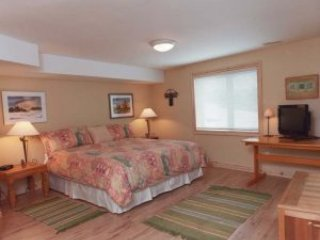 Chalet Claremont - Terrace Room, holiday rental in Pickering