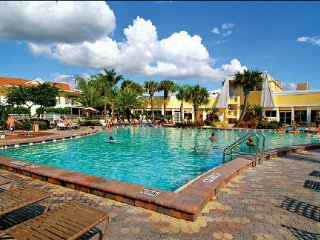 1 BD CONDO LIKI TIKI VILLAGE RESORT ~ONSITE WATERPARK, HEATED POOLS, NEAR DISNEY