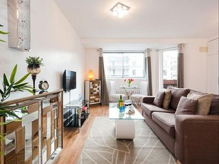 Spacious Sherborne Cromwell Court IV apartment in Kensington & Chelsea with WiFi