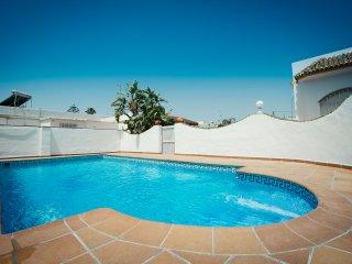 Casa de dos habitaciones con piscina comunitaria