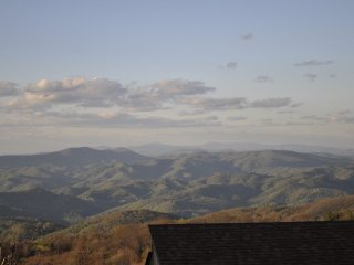 Head in the Clouds - Luxury Mountain Villa, Beech Mountain