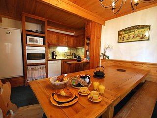 Beautiful 3 star apartment Les Bleuets 12 people 3 minutes slopes of