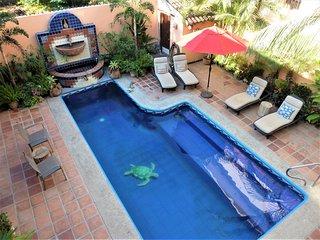Tres Palmas~1 bedroom~1 block to beach