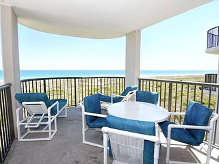 DR 2306 -  Oceanfront condo convenient to pool, tennis court and beach access