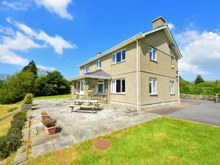 Luxury 5-Star Farmhouse nr Pwllheli & Criccieth