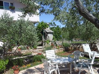 Holiday Home- Tisno Near the Festival Site TP113A1