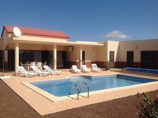 Luxury Inland Villa - Triquivijate