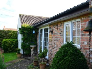 BOXTR Bungalow in Glastonbury