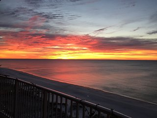 5 STARS!!!  Sea Dunes Unit 501 DIRECT Beachfront 3 Bed/2 Bath - Sleeps 6!