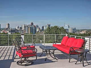 NEW! Sleek 3BR Nashville Townhome w/Rooftop Deck!