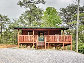 NEW! Sevierville Studio Cabin w/ Private Hot Tub!