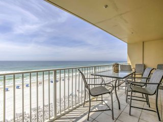 Beachfront Fort Walton Beach Condo w/ Pool & View!
