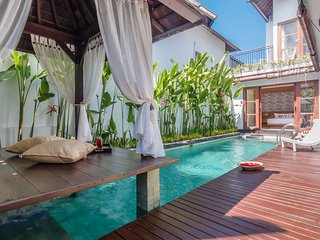 Villa Heliconia, 2 Bedroom Villa with Billiard, Jimbaran