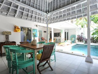 Private Family LOVE VILLA 4 - Double Six Surf Beach Legian Seminyak