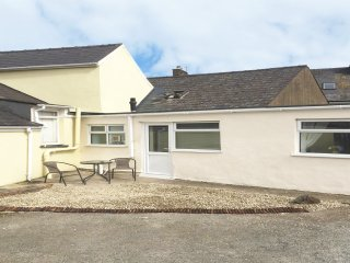 GWAUN, all ground floor, fantastic base, close to amenities, Fishguard, Ref 9561