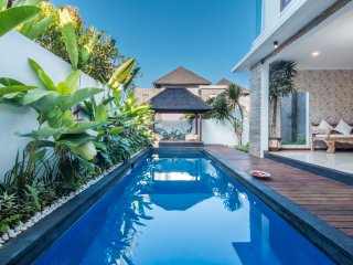Villa Jempiring, Spacious 2 bedrooms Villa with Pool, Jimbaran