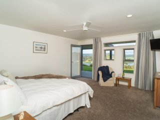 King Ensuite, own deck, sea views, sunrise side of Villa; superb